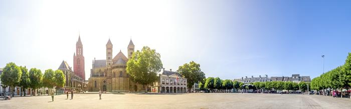 Maastricht, Servatiusbasilika, Vrijthof