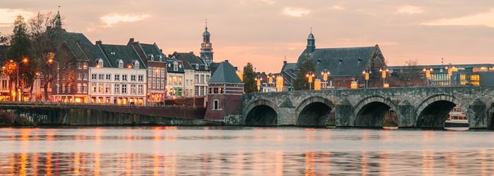 Maastricht - sunnset blue ceramics-faience
